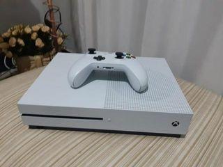 XBOX ONE S 500Gb CON CAJA