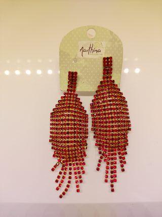 Pendientes de cristales rojos largos