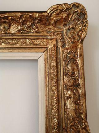 Marco antiguo dorado madera tallada