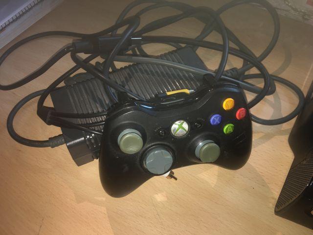 Consola Microsoft Xbox 360 120 GB - Negro