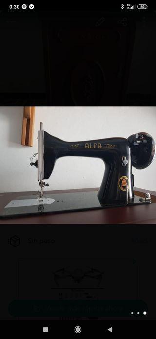 Máquina de coser Antigua con mueble nuevo