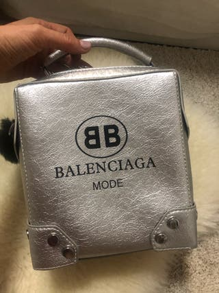 Bolso de mano BB- plateado nuevo