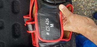 set casco protección MMA Leone y guantes 14oz