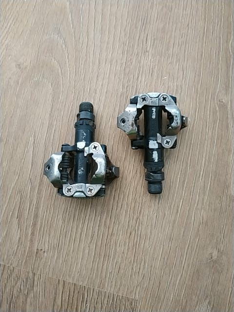 Pedales Shimano M-520
