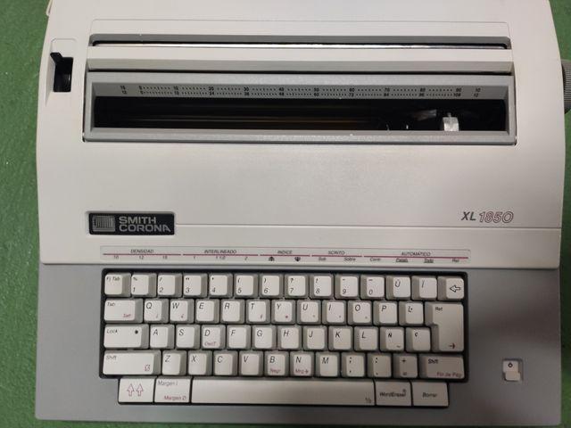 Máquina de escribir antigua Corona Smith XL 1850