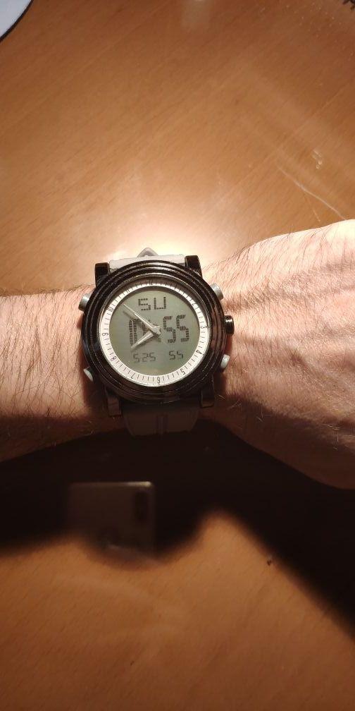 Reloj digital y analógico