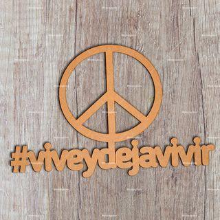hashtag #viveydejavivir personalizado con láser