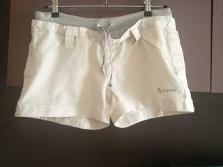pantalón corto bershka talla L