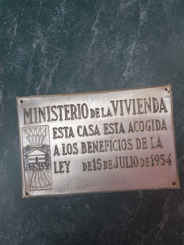 Placa Ministerio de la Vivienda 1954