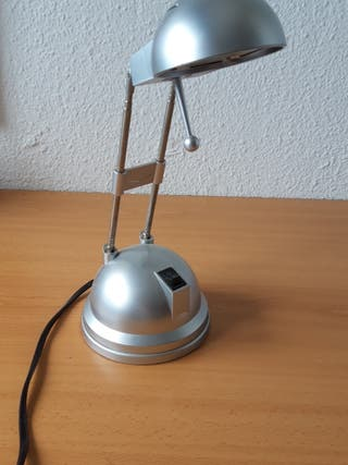 Lámpara de escritorio halógena