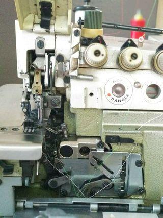 Máquina coser overlock 2 agujas de segunda mano por 110