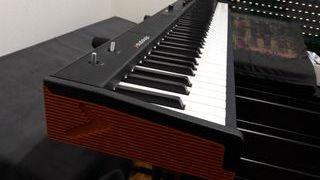 Piano con altavoces Studiologic Numa Compact 2