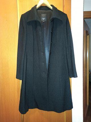 Abrigo negro de vestir para mujer