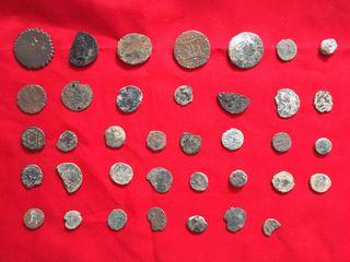 Lote variado de monedas antiguas