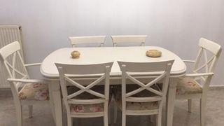 mesa extensible con sillas