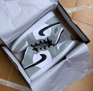 Air Jordan 1 Mid (Gs) Somke Grey