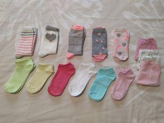 Calcetines niña 11 pares T 31-34 y braguitas