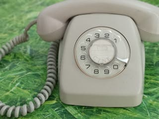 Teléfono heraldo de mesa