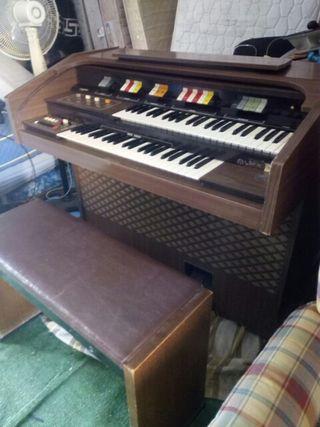 piano antiguo completo