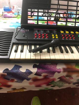 Piano/órgano electrónico