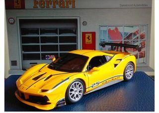 Ferrari 488 Challenge escala 1/24