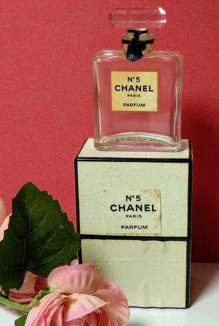 Antiguas miniaturas Chanel Nº 5 y desconocida
