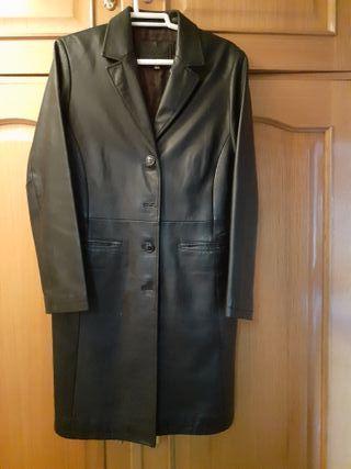 chaqueton negro de piel