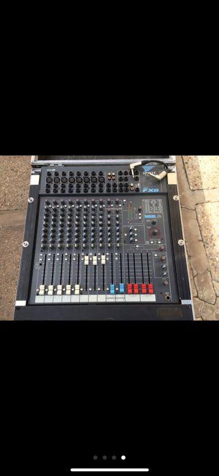 Mesa de sonido soundcraft americana con rack