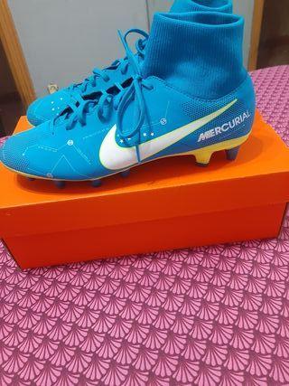 botas de fútbol mercurial nike