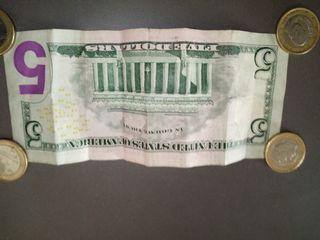 Five Dollars (5 Dólares)