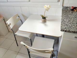 Conjunto Mesa cocina blanca + 2 sillas