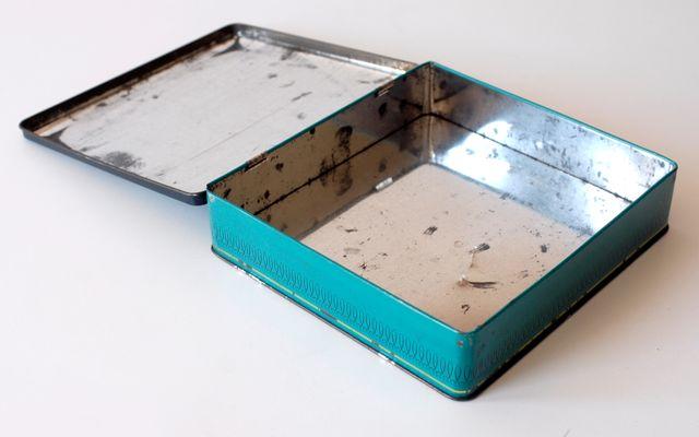 Caja vintage de metal. Galletas francesas Delacre