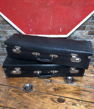 Juego de maletas antiguas