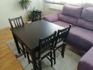 Mesa extensible de ikea y 4 sillas Stefan