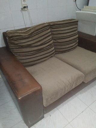 Sofá marrón piel