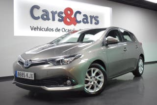Toyota Auris hybrid 140H Active Busin