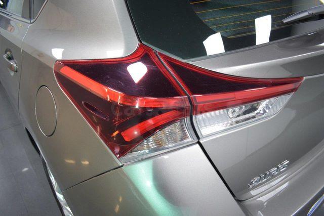 Toyota Auris hybrid 140H Active Busin