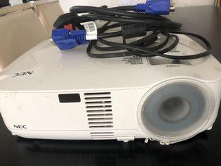 Projector con Mando NEC