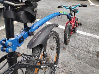 Trailgator + bicicleta infantil