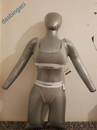 bra + thong