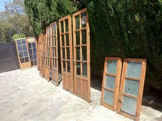 puertas de madera y vidrio