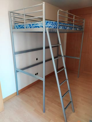 Cama alta Ikea con colchón