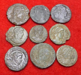 Lote de 9 monedas romanas. Follis AE4