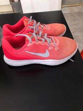 Zapatillas Nike para mujer - Talla 37.5