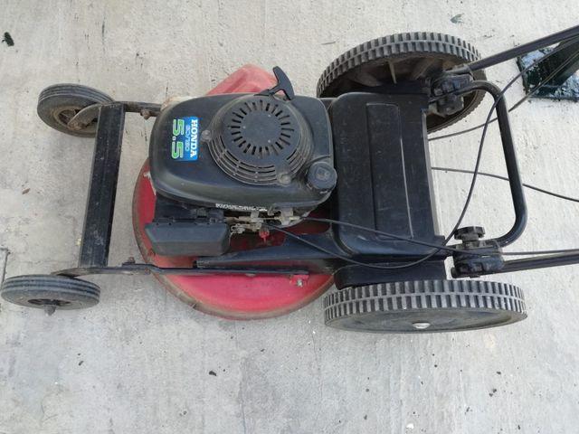 desbrozadora de ruedas auto propulsada