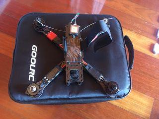 Dron 5 pulgadas con emisora. Sin terminar