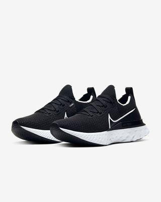 Nike React Infinity Run Flyknit Negras