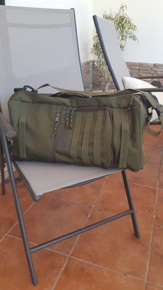Mochila 50 L. Militar. Nylon. Impermeable.