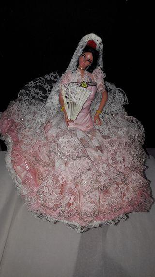 Muñeca Gitana de Marin Chiclana con peana