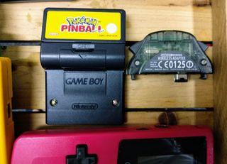 Varias Game boy de Nintendo con juegos y extras